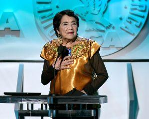 "Dolores Huerta a latinos: ""Si nosotros votamos contamos; si no, nos fregamos"""