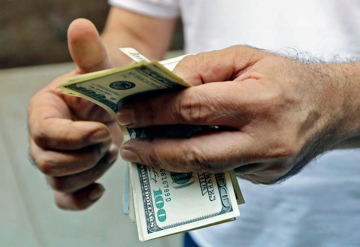 1 de cada 5 estadounidenses podría quedarse sin dinero antes del día de las elecciones si no llega un segundo cheque de estímulo