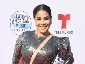"""Carolina Sandoval canta como Thalía y dice que sus """"Nalgas son como las de un pernil"""""""