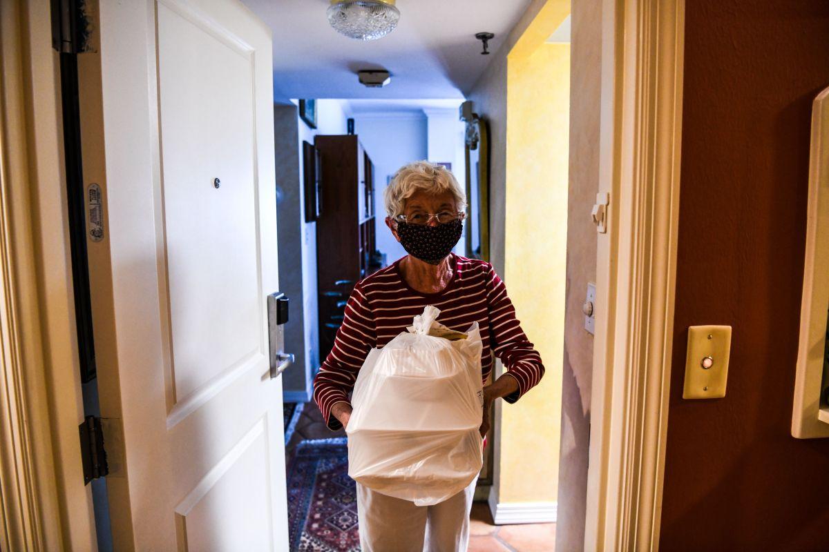 Lo que los jubilados y adultos mayores deben saber de un primer y segundo cheque de estímulo