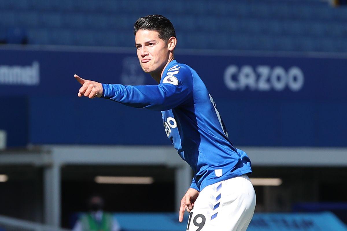 Everton saca tres puntos de oro con los colombianos James y Mina como titulares