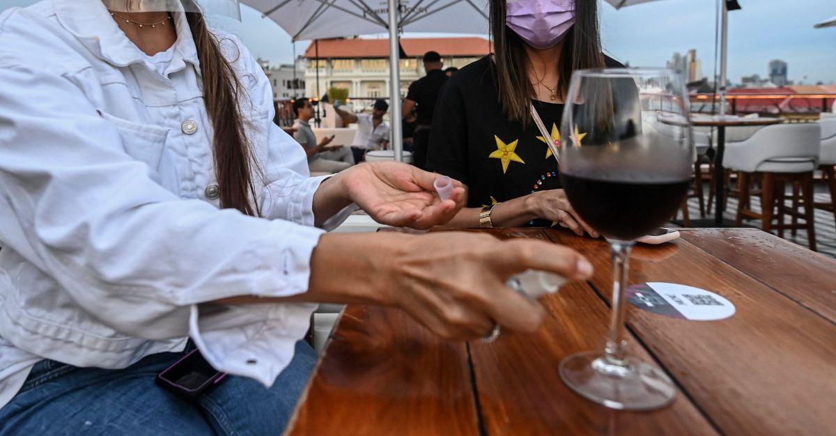 El consumo de alcohol aumenta durante la pandemia, especialmente entre las mujeres