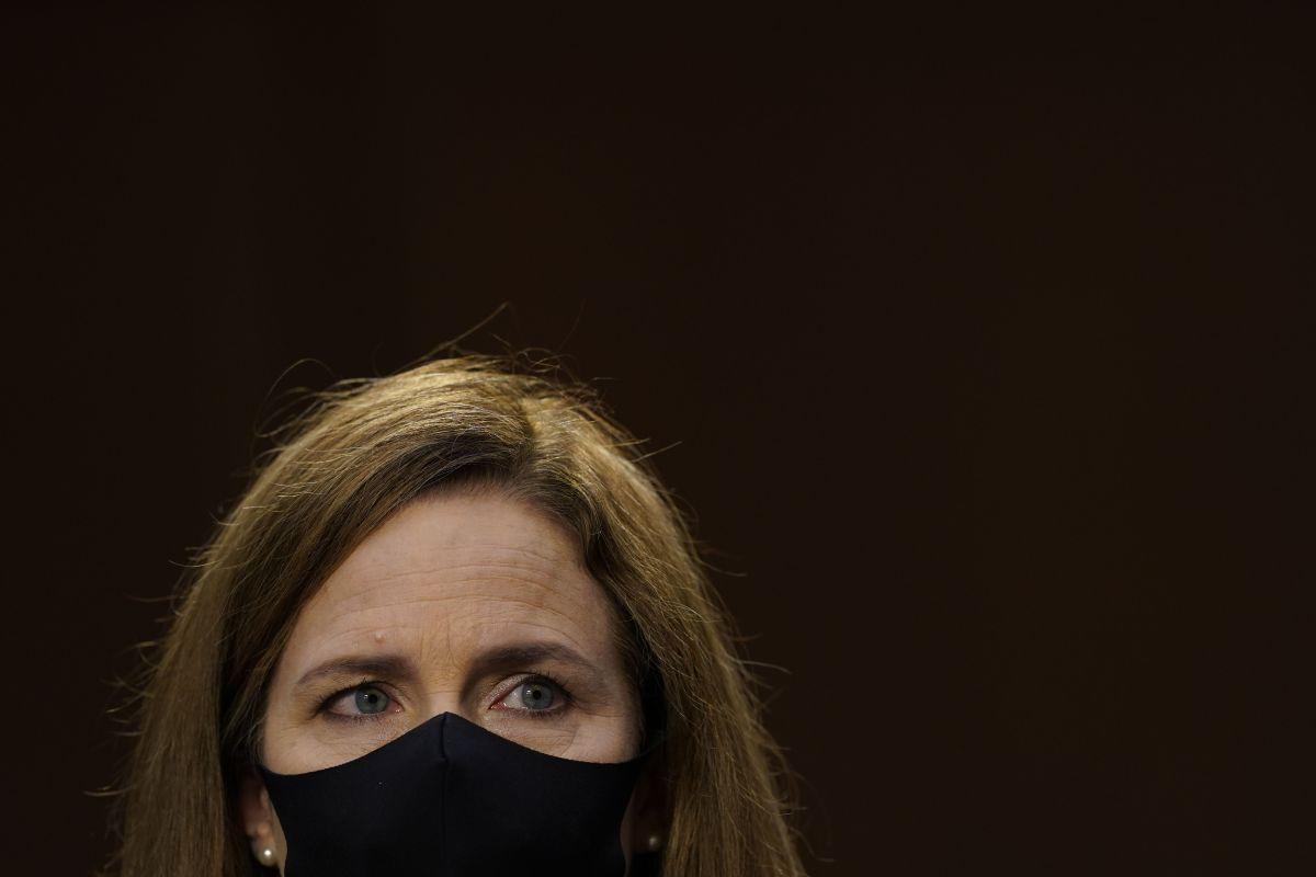 Demócratas intentaron detener confirmación de jueza Barrett tras falta de documentos