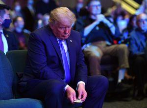 La foto de Trump en una iglesia que causa indignación