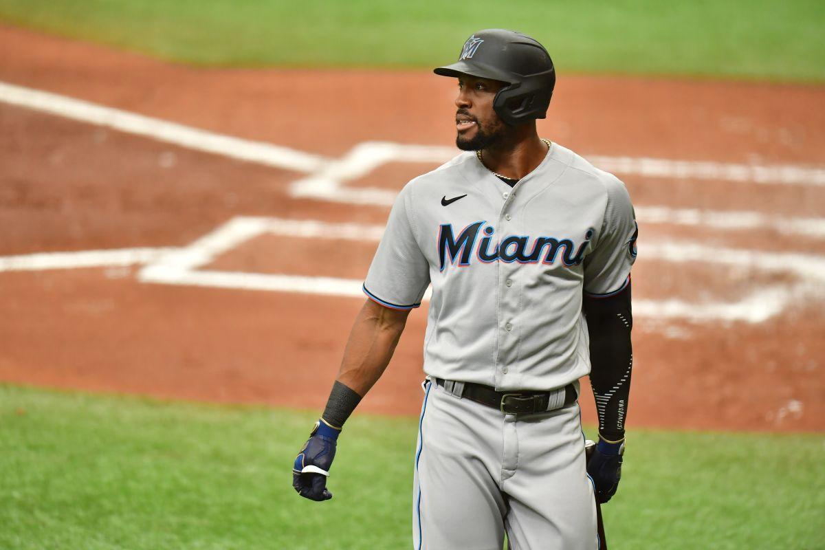 Con pelotazo fracturan la mano del dominicano Starling Marte en juego contra Cubs