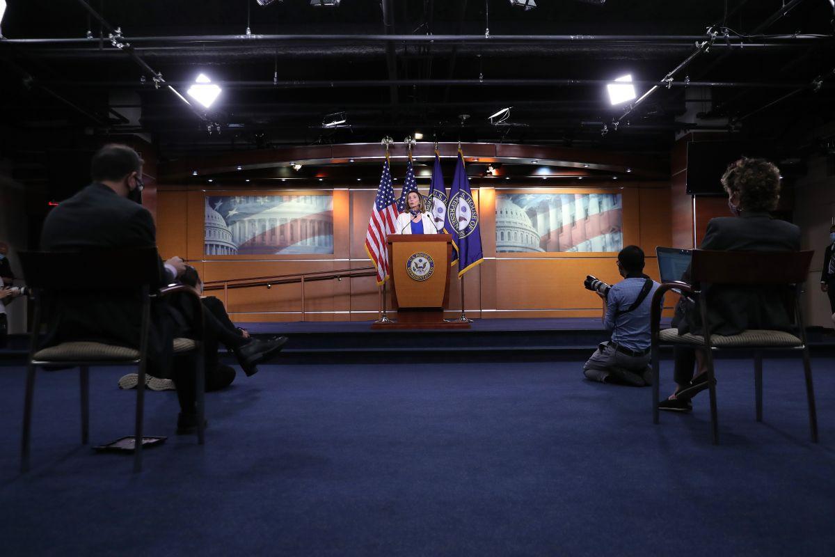 La Cámara de Representantes aprueba un proyecto de ley de estímulo de $2.2 billones de dólares, pero eso no significa que el cheque de estímulo esté de regreso
