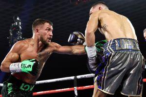 Vasyl Lomachenko enfrentó a Teófimo López con el hombro lastimado, asegura su manager