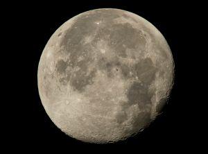 La NASA anunció que encontró agua en la Luna