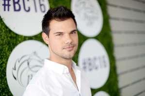 Taylor Lautner, protagonista de 'Twilight', estrena espectacular mansión en California