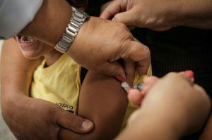 Niño de 12 años que recibió la vacuna experimental contra el coronavirus pide a otros niños que consideren tomarla