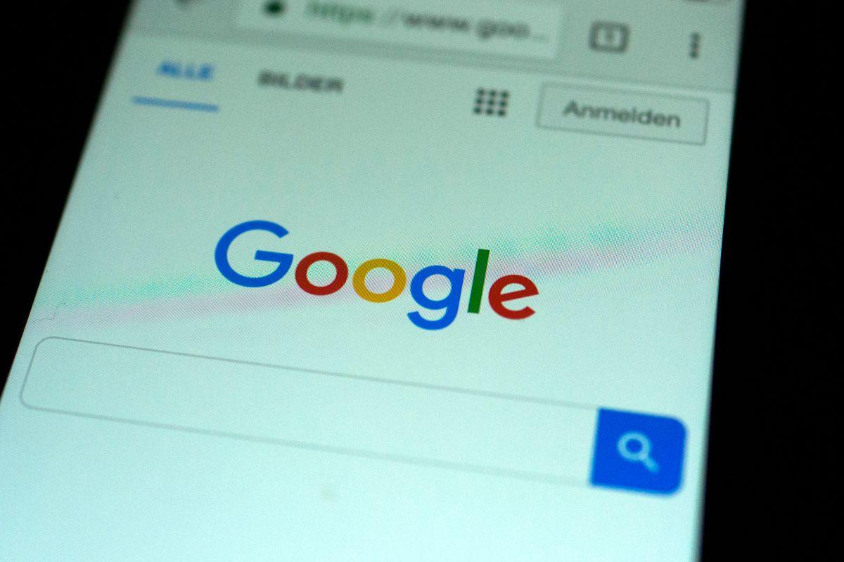 Google Chrome facilitará un modo oscuro de navegación en dispositivos móviles