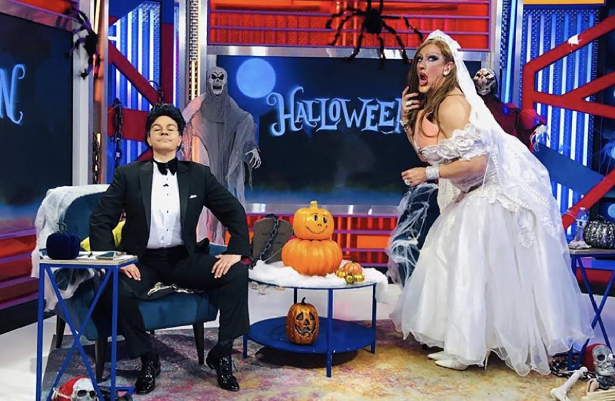 Javier Ceriani se disfraza de Ninel Conde y Elisa Beristain de Larry Ramos en Halloween