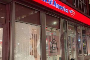 """""""¡Quemen la ciudad!"""": violentos disturbios en Nueva York por afroamericano muerto tras enfrentar a la policía de Filadelfia"""