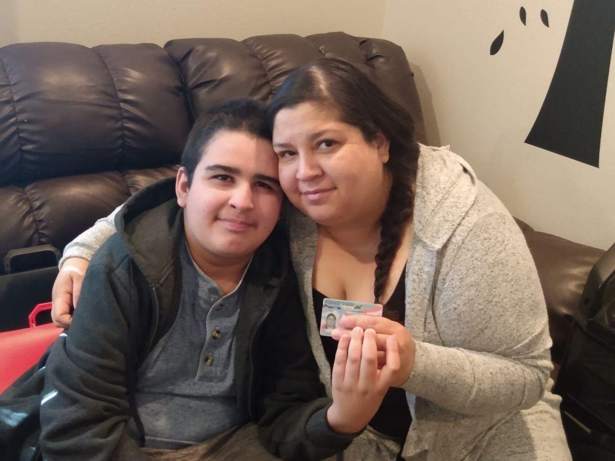 Menor con discapacidad da a su madre la residencia permanente