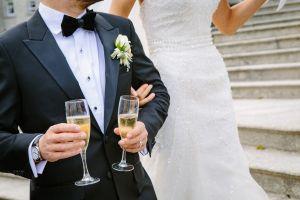 Mueren horas después de su boda en trágico accidente aéreo