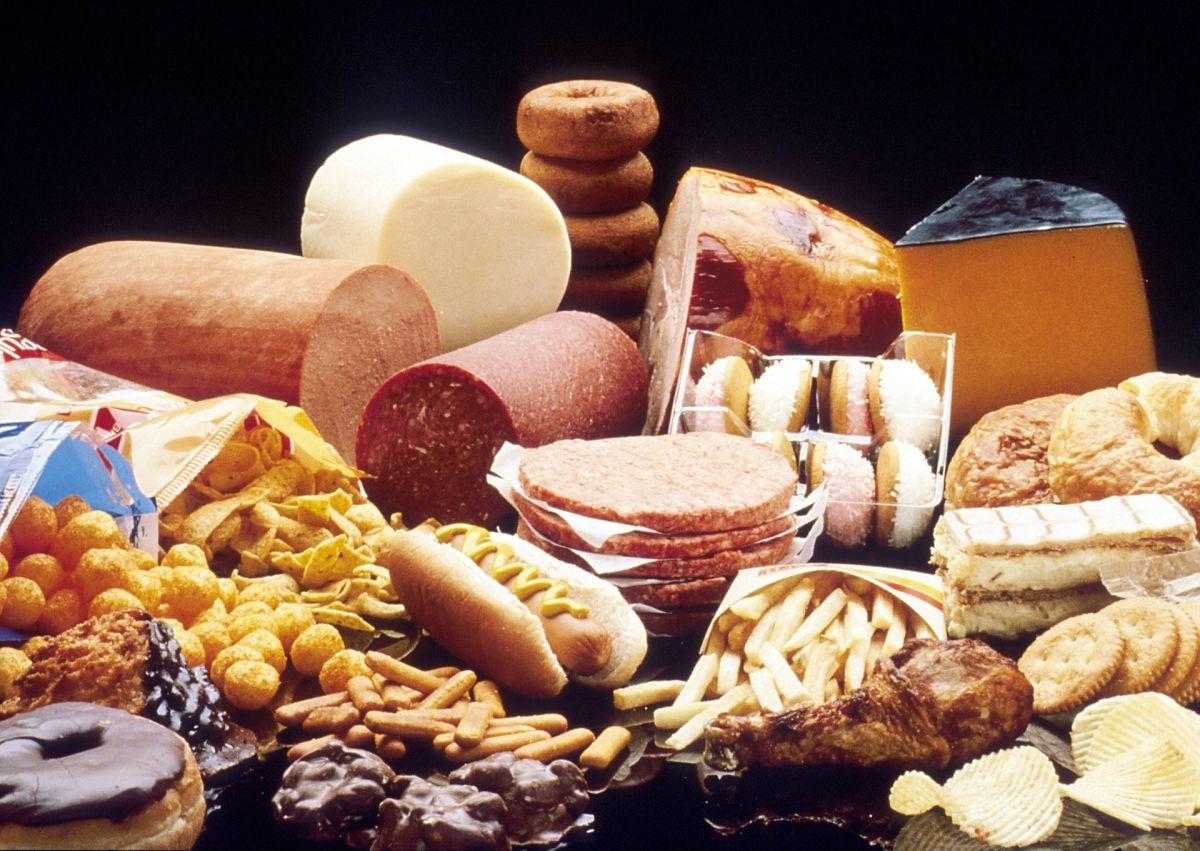 6 snacks cotidianos que te hacen subir de peso
