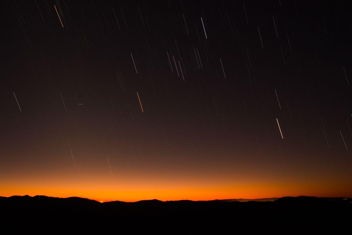 Llegan las Dracónidas, la primera lluvia de estrellas del otoño y así es cómo influye en tu elemento del Zodiaco
