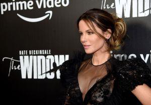 Kate Beckinsale le manda solidario mensaje a Chrissy Teigen tras revelar que ella también perdió un hijo