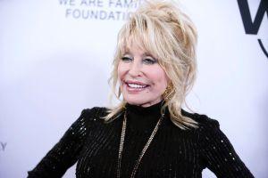 Dolly Parton tiene ganas de volver a posar para Playboy a sus 74 años