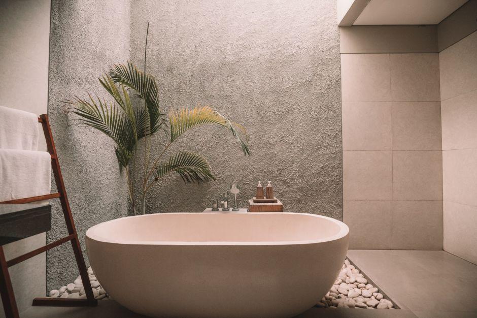 Por qué los japoneses prefieren los baños de tina para mejorar su salud