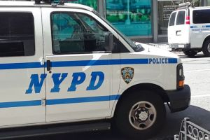 Despiden a oficial de alto rango del NYPD por comentarios racistas
