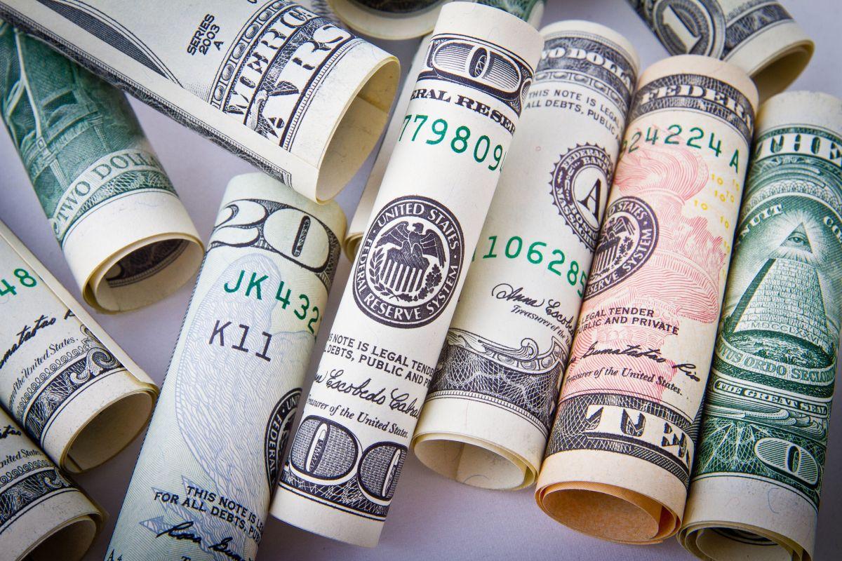 Atrae el dinero que necesitas con rituales de magia blanca.