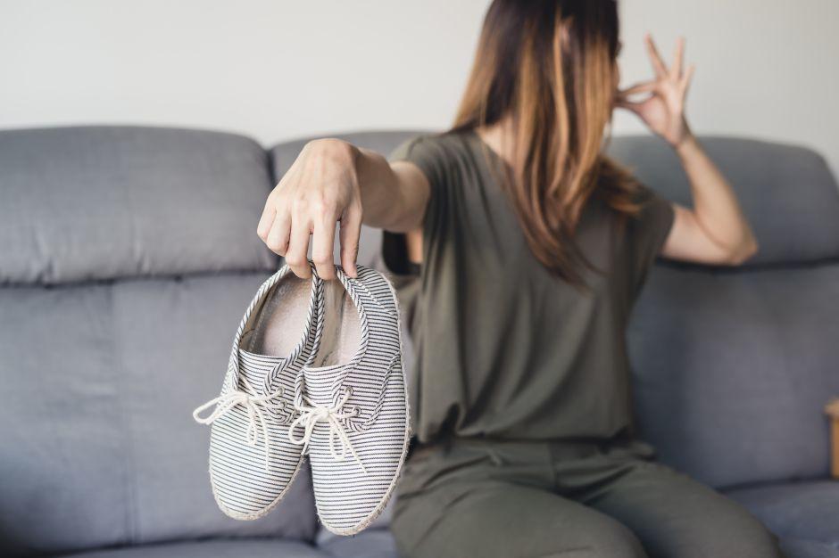 Cómo quitar el mal olor a los zapatos con bicarbonato