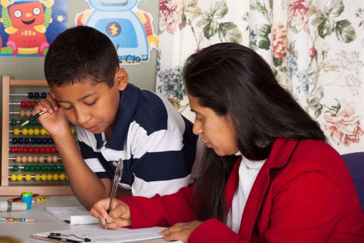"""Más de 65 millones de niños en hogares de EE.UU. comenzarán a recibir en julio cheques por extensión de """"Crédito tributario por hijos"""""""