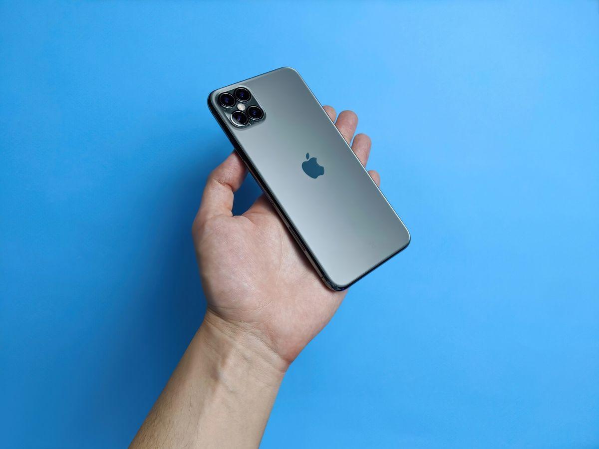 ¿Cuántos días tienen que trabajar un estadounidense, un mexicano y un canadiense para comprarse un iPhone 12?