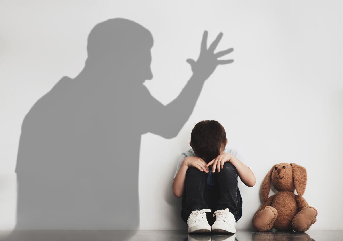 ¿Qué es el maltrato infantil?