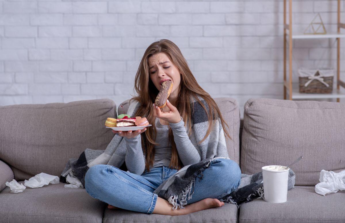Cómo disminuir la ansiedad al comer, según expertos