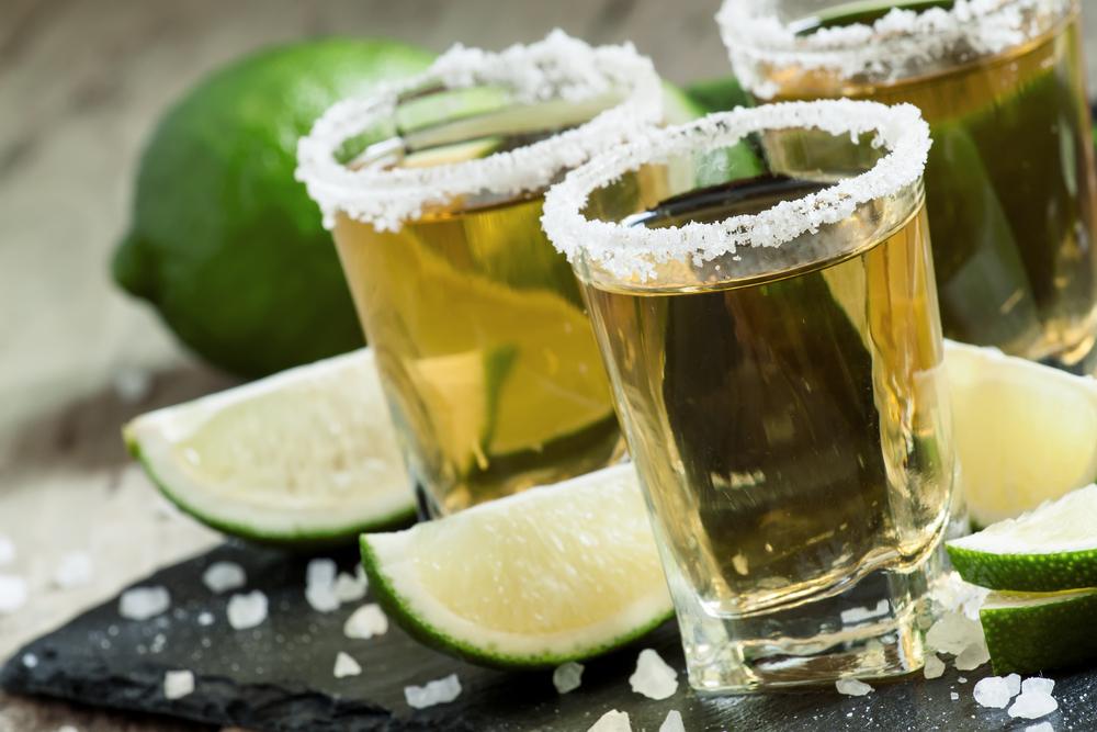 El pleito en Europa que tiene en problemas al tequila y a México