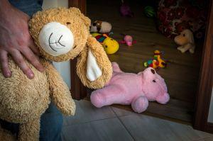 Bebé de 10 meses muere luego de haber sido violada por su padre