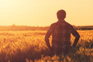 Se volvió millonario gracias a la lotería pero prefirió seguir trabajando como granjero