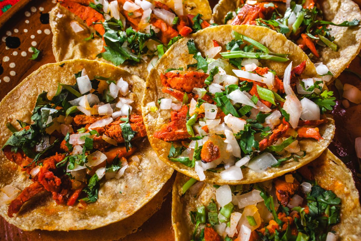 Tacos al pastor y de cochinita pibil entre los 10 mejores platillos del mundo
