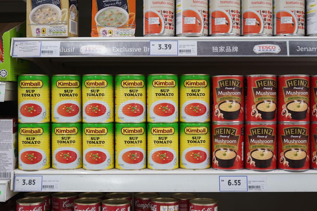 """Abre lata de sopa de """"Los Cazafantasmas"""" y sorprende a todos con lo que encontró al interior"""