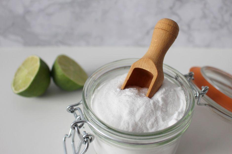 Remedio casero: Para qué sirve el bicarbonato de sodio con limón en ayuno