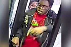 Hombre celoso apuñaló a otro por mirar a su esposa en un bus en El Bronx