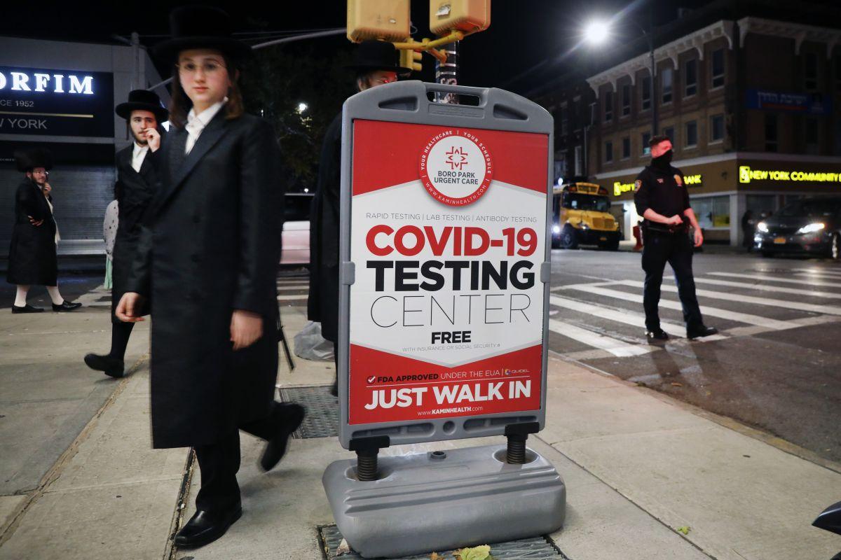 Nueva York registra la segunda tasa más baja de casos positivos de COVID-19 en el país