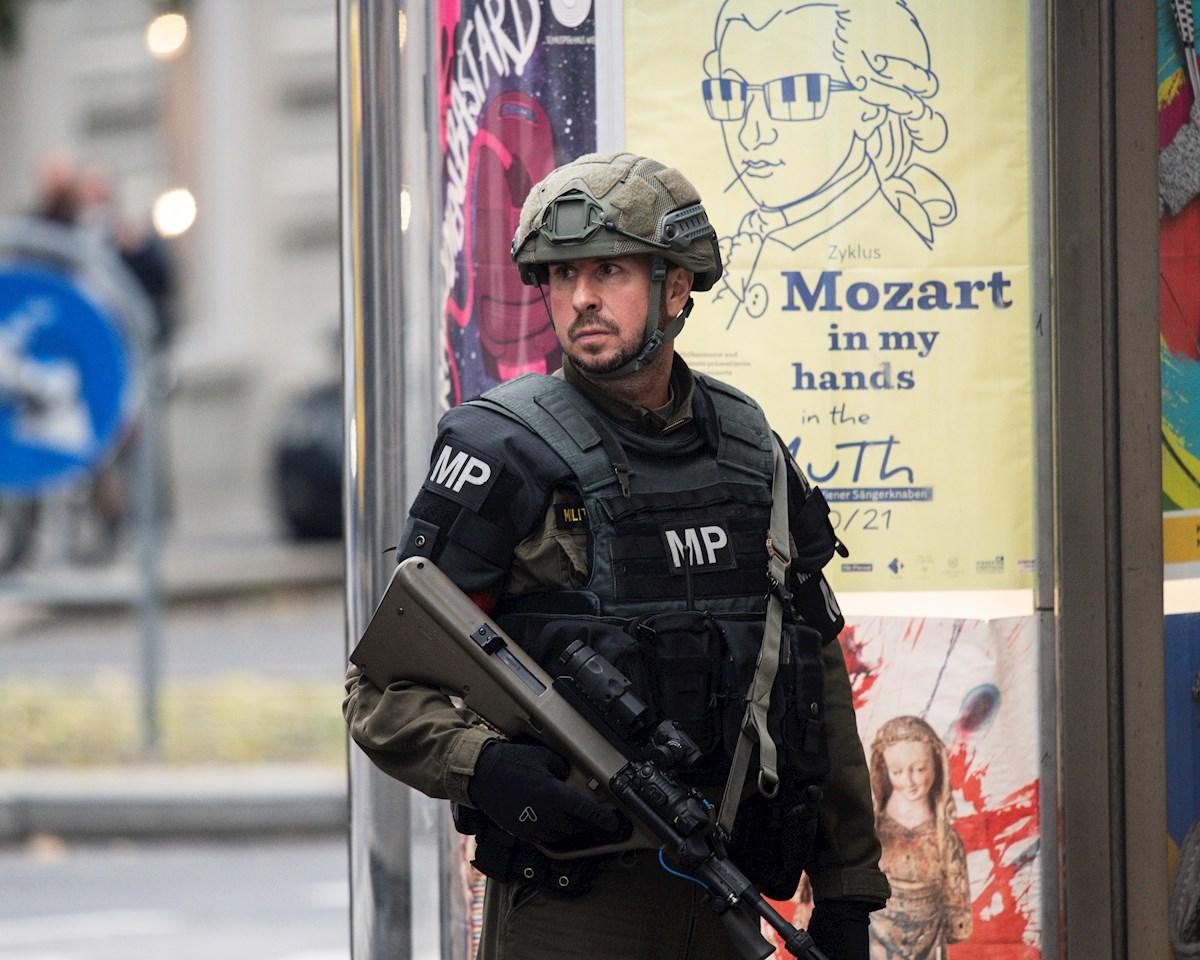 Se elevan a 5 los muertos por ataque terrorista en Viena; 17 heridos