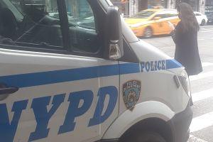 Dos hombres mueren baleados en Harlem: tiroteos en licorería y avenida