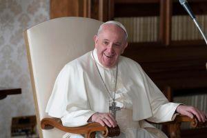 Vaticano investigará el origen del like a sexy foto de modelo brasileña desde la cuenta de Instagram del papa Francisco