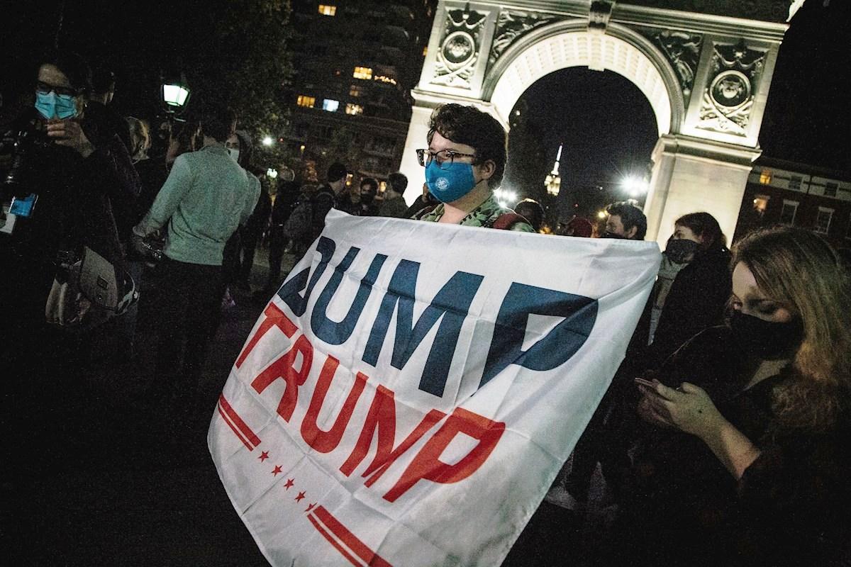 Biden avanza sobre Trump en estados claves; neoyorquinos ya celebran y exigen en las calles su eventual triunfo