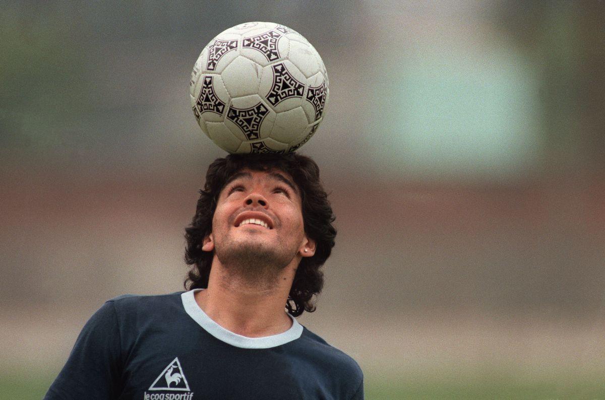 La historia detrás de la icónica foto de Diego Armando Maradona con Queen