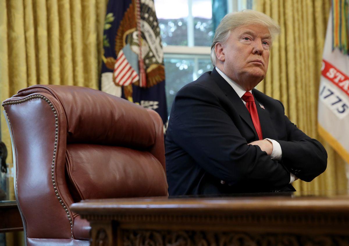 """Trump suma derrota tras derrota, pero acusa al FBI y al DOJ de no investigar """"fraude electoral"""""""