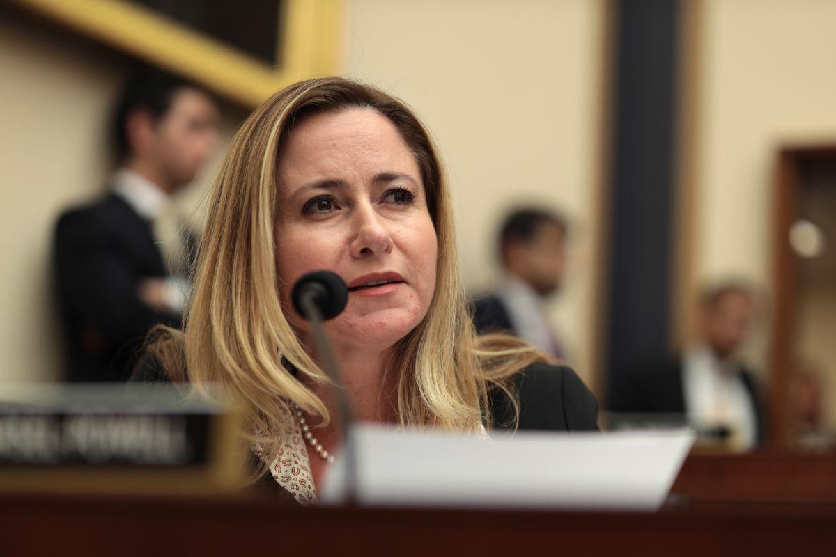 Los congresistas latinos con duras batallas para ser reelegidos