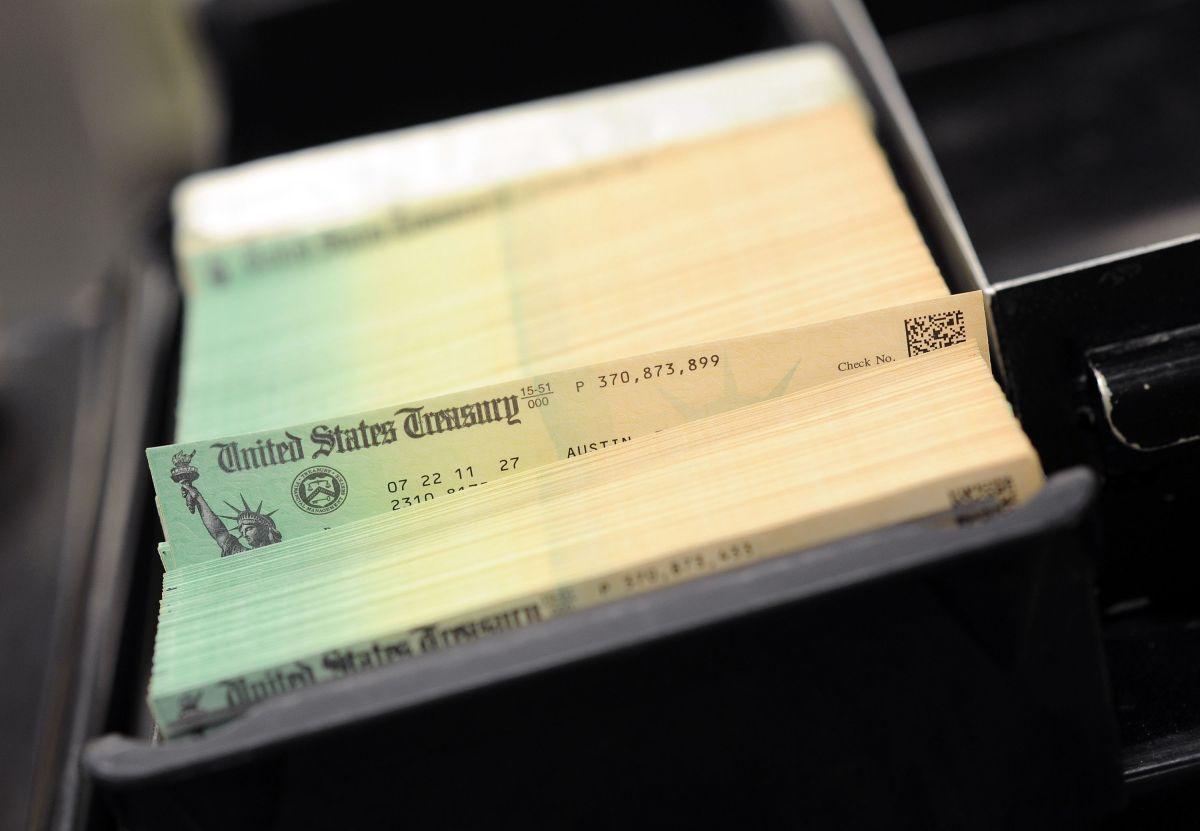 300 millones, la cifra clave del IRS sobre distribución de cheques de estímulo