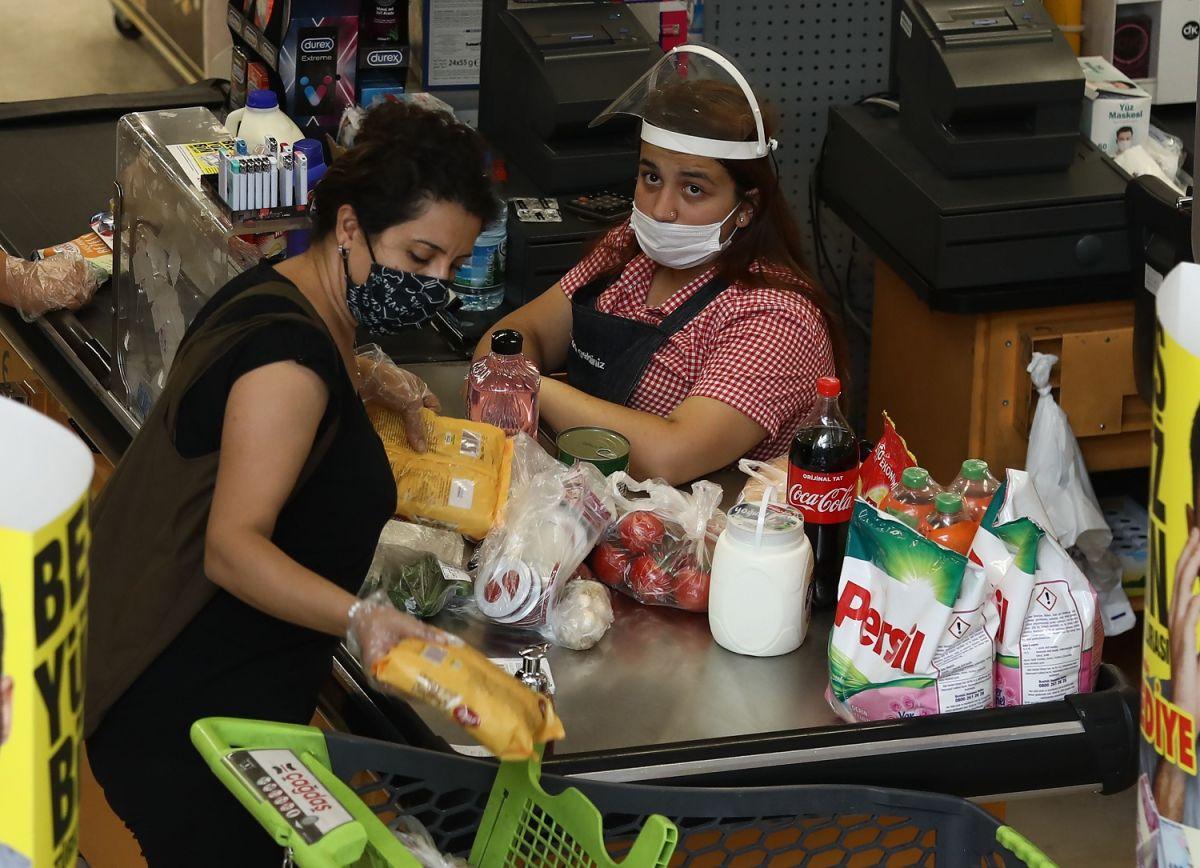 Más del 70 por ciento de los trabajadores de supermercado con COVID-19 no presentan síntomas