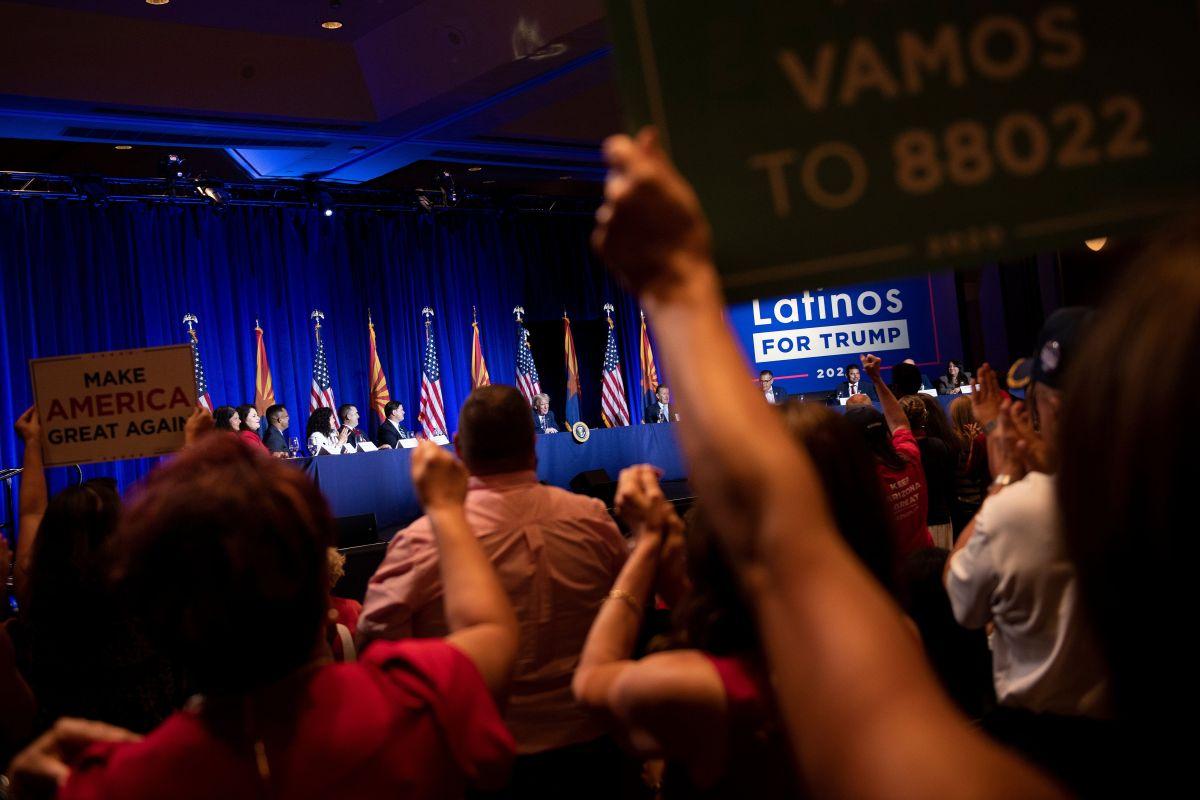 Hombres jóvenes latinos podrían ayudar al triunfo de Trump