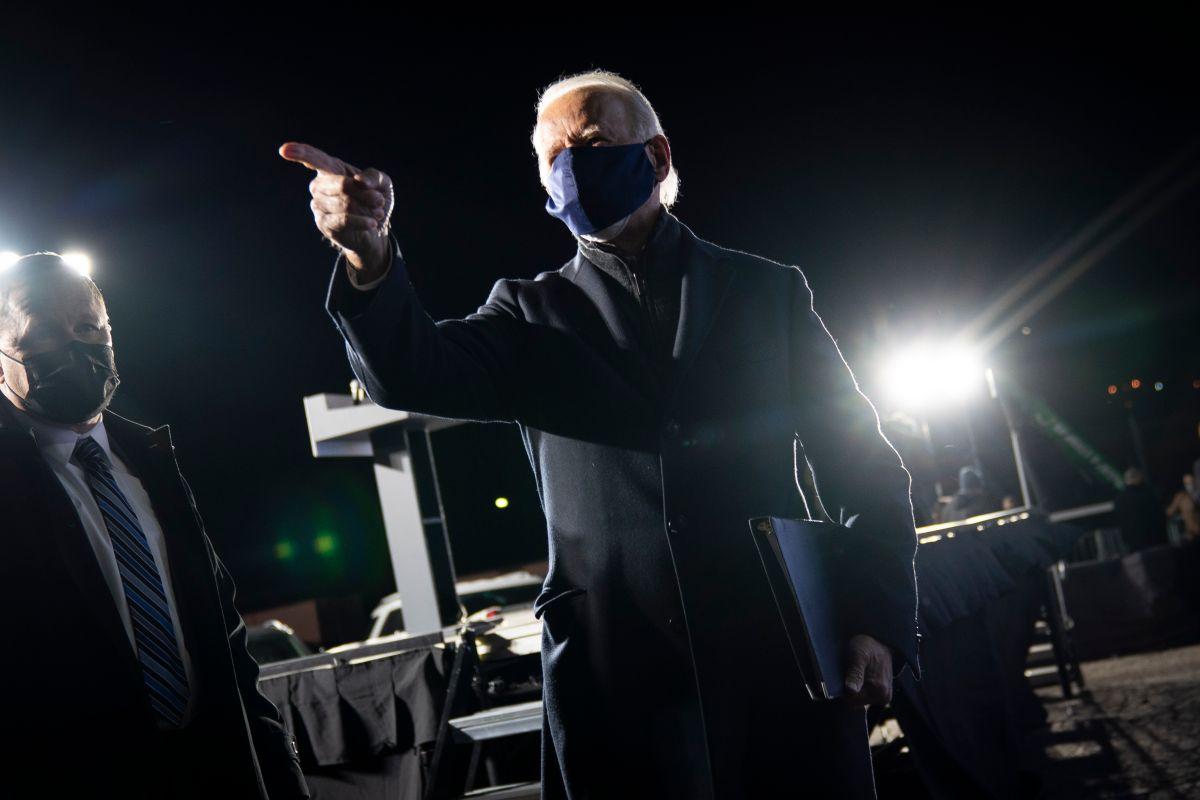 """Biden cierra campaña: """"Es hora de que Trump haga las maletas y se vaya para casa"""""""